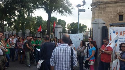 La Plataforma de Unidad de Acción Docente celebra una concentración frente al Parlamento de Andalucía el día 21 de octubre